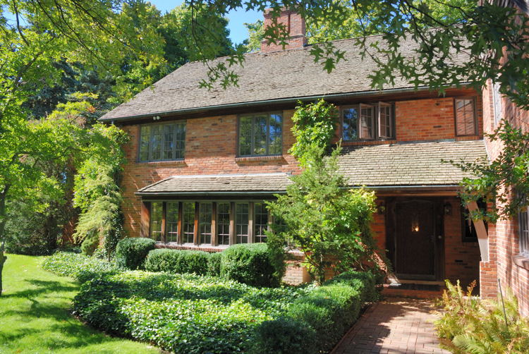 Lake front home for sale in Bloomfield Hills, Michigan